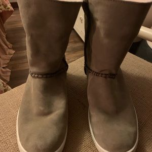 Ugg Mika boots 9